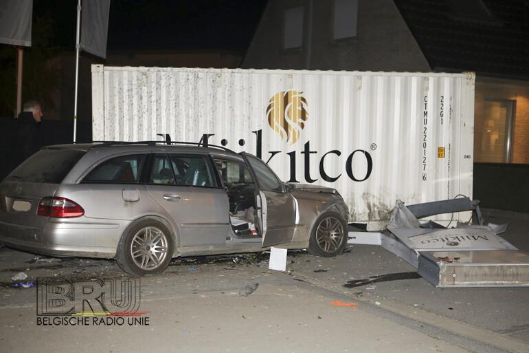 Bestuurder kritiek in Kortrijk na knal tegen container