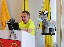 Burgemeester Francis Benoit organiseert vragenuurtje over Corona op kindermaat