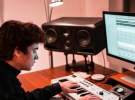 Henri PFR lanceert nieuw nummer 'Lockdown Music' met inbreng van fans