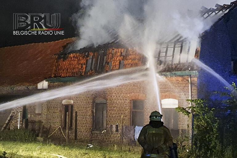 Boerderij vernield door brand in Wervik