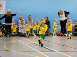 Babyballers : voor kleuters en peuters die graag voetballen