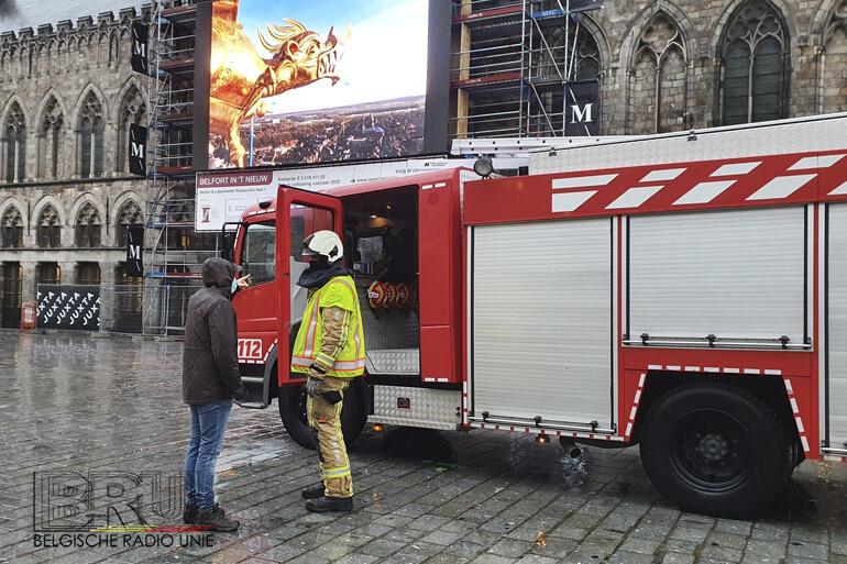 De brandweer Westhoek noteerde een 57-tal interventies voor stormschade en wateroverlast. Op de Grote Markt van Ieper diende de brandweer het grote LED-scherm aan de stelling rond het Belfort te beveiligen nadat dit dreigde los te komen.