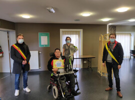 Brandweerman op rust Eric Debaere wordt als eerste Kuurnenaar gevaccineerd