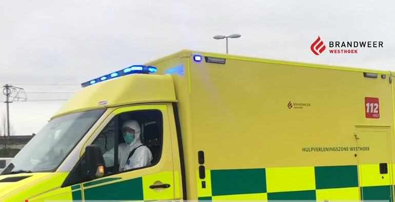 corona ritten ziekenwagen