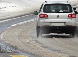 Het agentschap voor wegen en verkeer waarschuwt voor besneeuwde en gladde wegen