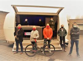 Gelegenheidsradio moet Kuurnenaren warm maken in de aanloop naar wielerhoogdag