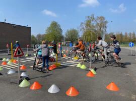 Gemeente Kuurne verwent kinderen met diverse speelse- en sportieve activiteiten tijdens 12 de buitenspeeldag