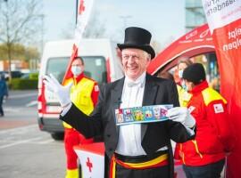60ste stickeractie van Rode Kruis-Vlaanderen gaat van start