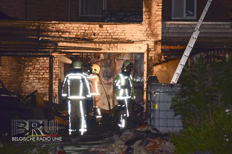 Bewoner gewond bij nachtelijke brand